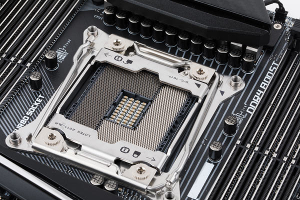 MSI X299 Turbo socket